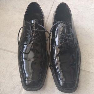 Via Spiga Men's shinny leather dress shoe US 10.5